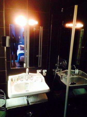 Hotel & Spa La Belle Juliette : Badezimmer