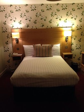 Fisher's Hotel: cozy comftable clean and mordern