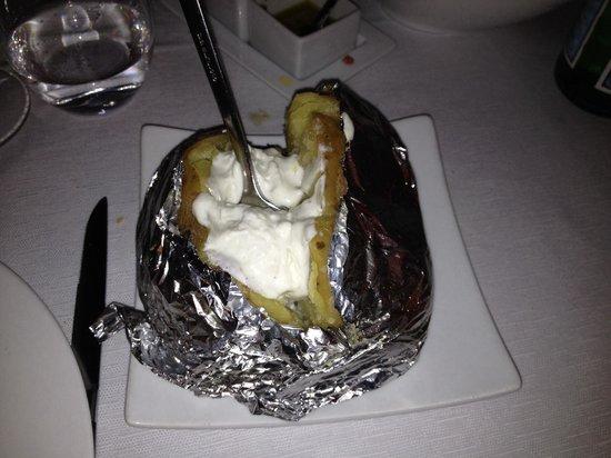 Don Juan: Patata ripiena di formaggi spettacolare