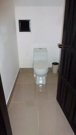 White Mansion : Toilet