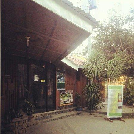 Simon's Heritage Resort: resort entrance