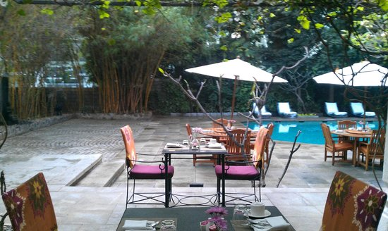 Vivanta by Taj - M G Road, Bangalore : Poolside