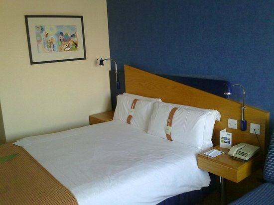 Holiday Inn Express Peterborough: Bed 2