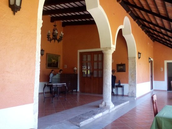 Hotel Hacienda Noc Ac: Front desk