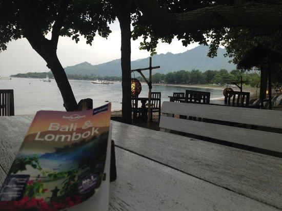 Taman Sari Bali Resort & Spa: Beachfront dining