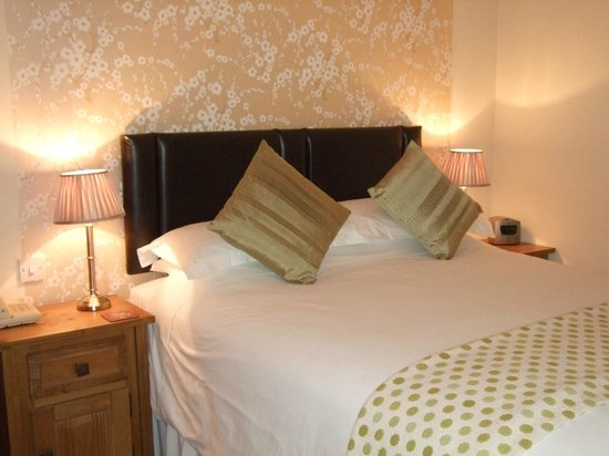 The Cross at Kingussie : Woodland king ensuite