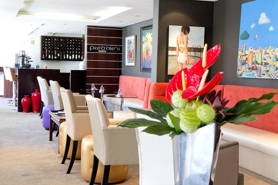 Bantry Bay Suite Hotel: Lounge