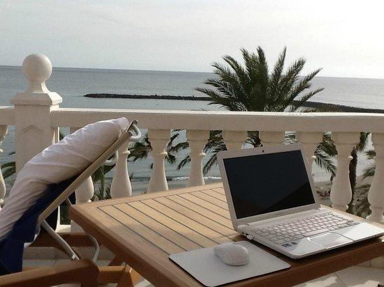 Cleopatra Palace Hotel : temporary Tenerife office
