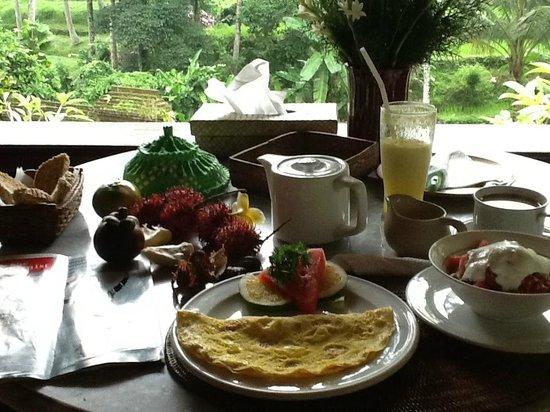Kebun Indah : Breakfast in room Cempaka