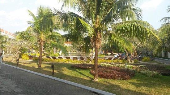 Sokha Beach Resort: Pool im hinteren Bereich, absolut OK