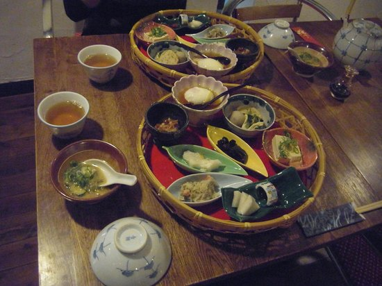 Matsunoya: 朝食の盛り付けもなかなか凝っていました