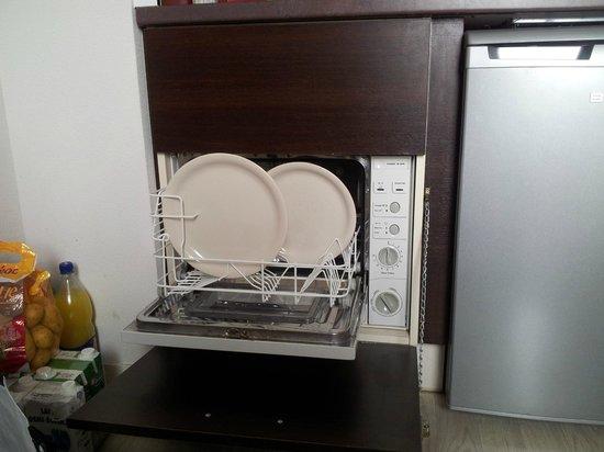 Hotel & Residence Hoteliere Duguesclin: assiettes plates n'entrent pas dans le lave vaisselle