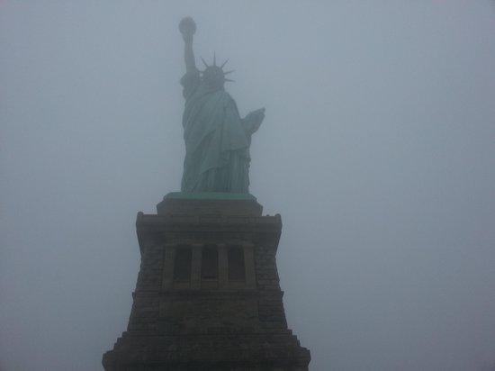 Interior corona fotograf a de estatua de la libertad for Interior estatua de la libertad