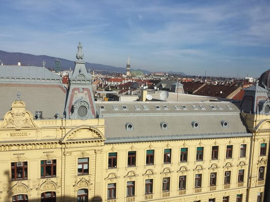 Esplanade Zagreb Hotel: View from our room on 5th floor