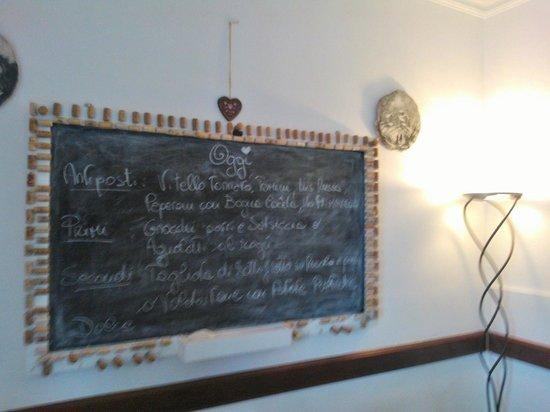 Osteria dello Stambecco: Lavagnetta con menù del giorno