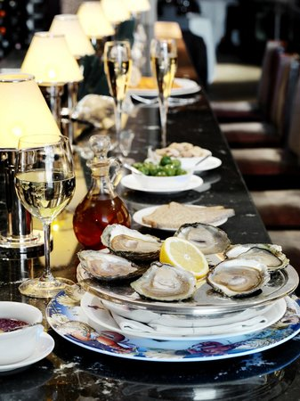 Wiltons: Oysters on evening bar