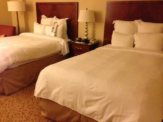 Falls Church Marriott Fairview Park : Comfortable Beds