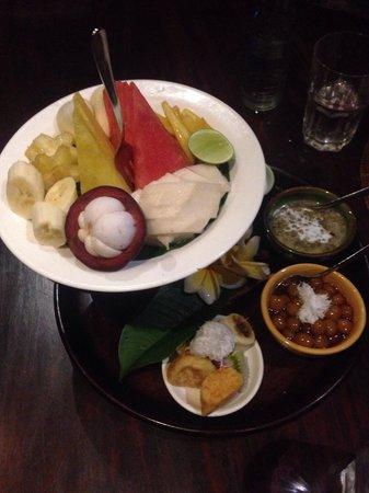 Bumbu Bali: Desert from seafood dinner set