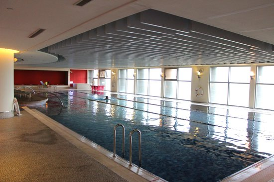 Hotel Novotel Taipei Taoyuan International Airport: Swimming pool