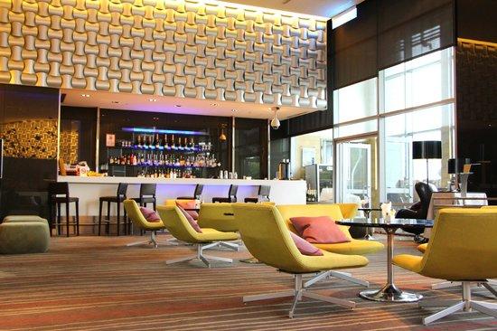 Hotel Novotel Taipei Taoyuan International Airport: Bar
