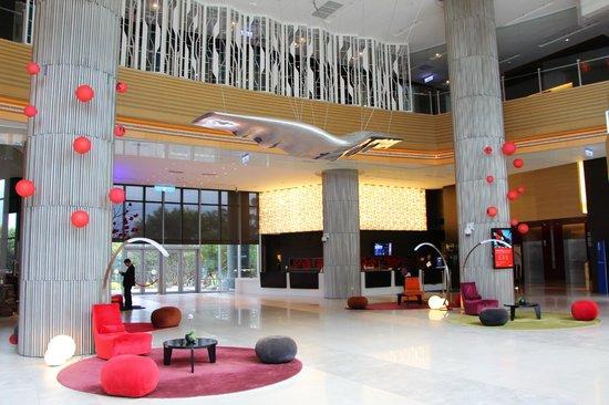 Hotel Novotel Taipei Taoyuan International Airport: Lobby