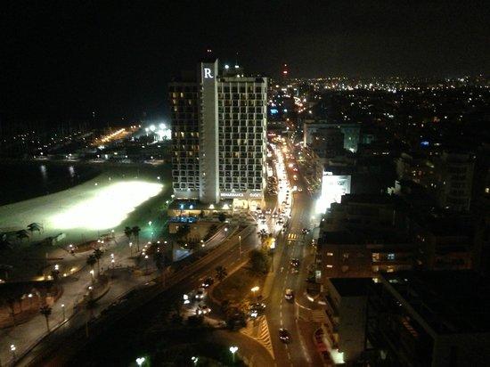 Sheraton Tel Aviv Hotel : View from hotel bar