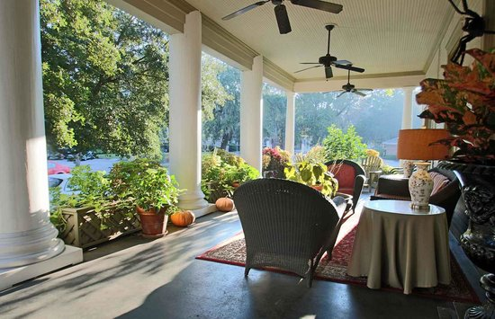 The Galloway House Inn: Every trip to Savannah should include a real southern front porch.