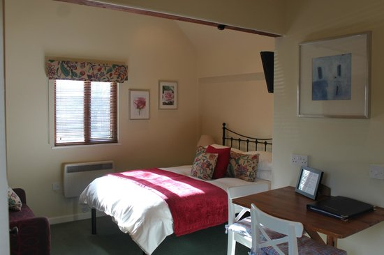 West Farm B&B and Self Catering Accommodation: Farm Office