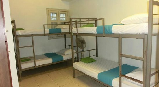 Tresor Tavern Hostel: Ensuite 4 Bed Room