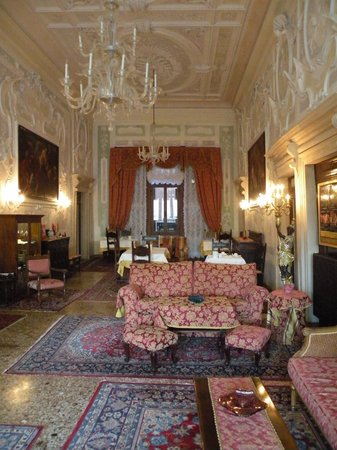 Hotel La Residenza : Reception and breakfast area