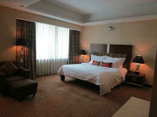 Dongfang Hotel: Room