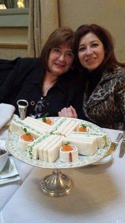 El Palace Hotel: Finger sandwiches deliciosos