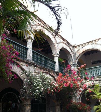 Convento La Popa de la Galera: Pátio interno Popa