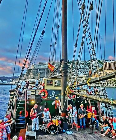 Live Music Cruise - Picture of Timanfaya Pirate Boat, Puerto