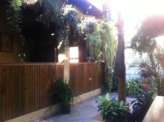 Comedor y Pupuseria Mary: La terrasse!