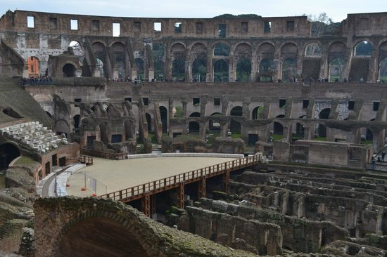 Rudy's Touring Service - Driving & Walking Tours: inside colosseum