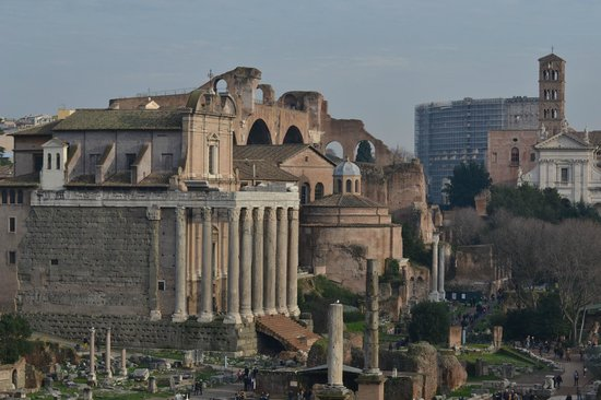 Rudy's Touring Service - Driving & Walking Tours: Roman Forum- awesome sight