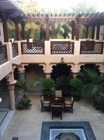 Jumeirah Dar Al Masyaf at Madinat Jumeirah: Innenhof der Villa