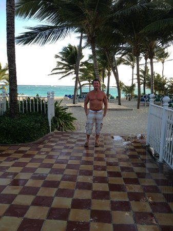 Hotel Riu Palace Punta Cana: heading to the beach