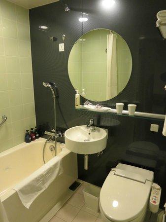 Mitsui Garden Hotel Ueno : Bathroom