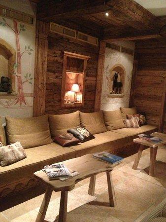 Hotel Berghof Zermatt: Salon, salle de billard