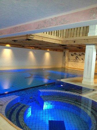 """Hotel Berghof Zermatt : la piscine """"froide"""""""