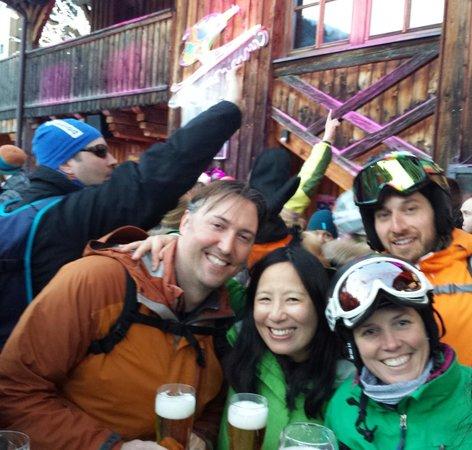 Mooserwirt - wahrscheinlich die schlechteste Skihutte am Arlberg: mooserwirt apres ski feb. 24 2014