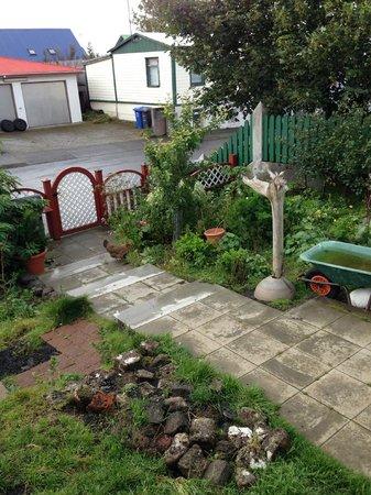 Edda's Farmhouse in Town : Inside the fence