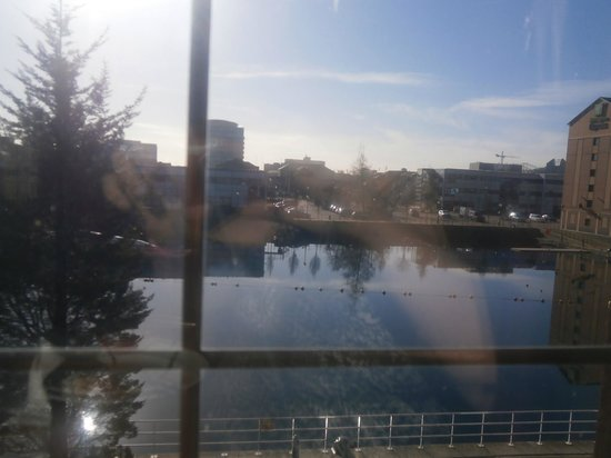 Premier Inn Manchester Salford Quays Hotel : view from room 114