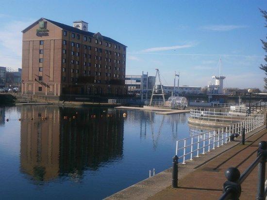 Premier Inn Manchester Salford Quays Hotel : View from restaurant