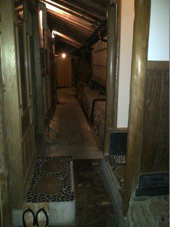 Senkei Annex Yamagaso: The Ryokan's private spring spa area