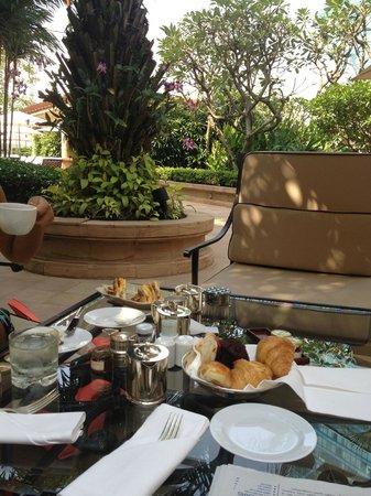 Park Hyatt Saigon: Unser Frühstück im Garten