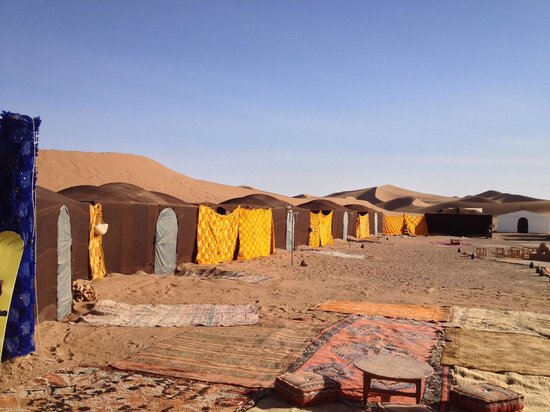 Arib Voyages Day Tours : Your dessert oasis awaits. Warm tents, comfy beds, camp fires, music...luxury, dunes & infinite
