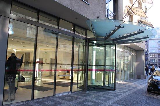 Design Hotel Josef Prague: La façade de l'hôtel Josef